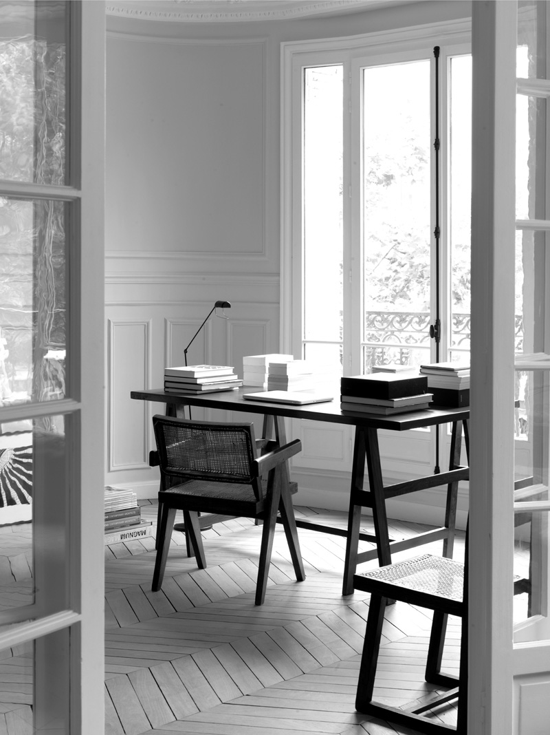 Paris-apartment-interior-by-Nicolas-Schuybroek-Yellowtrace-02
